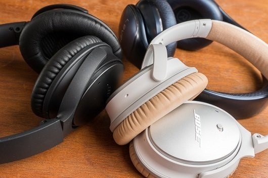 Image of noise cancelling headphones for traveling
