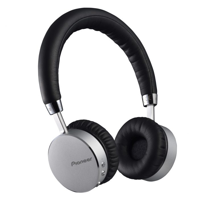 Pioneer SE-MJ561BT Headphone Review